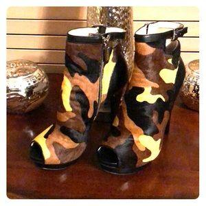 Michael Kors Peep Toe Camouflage Boots
